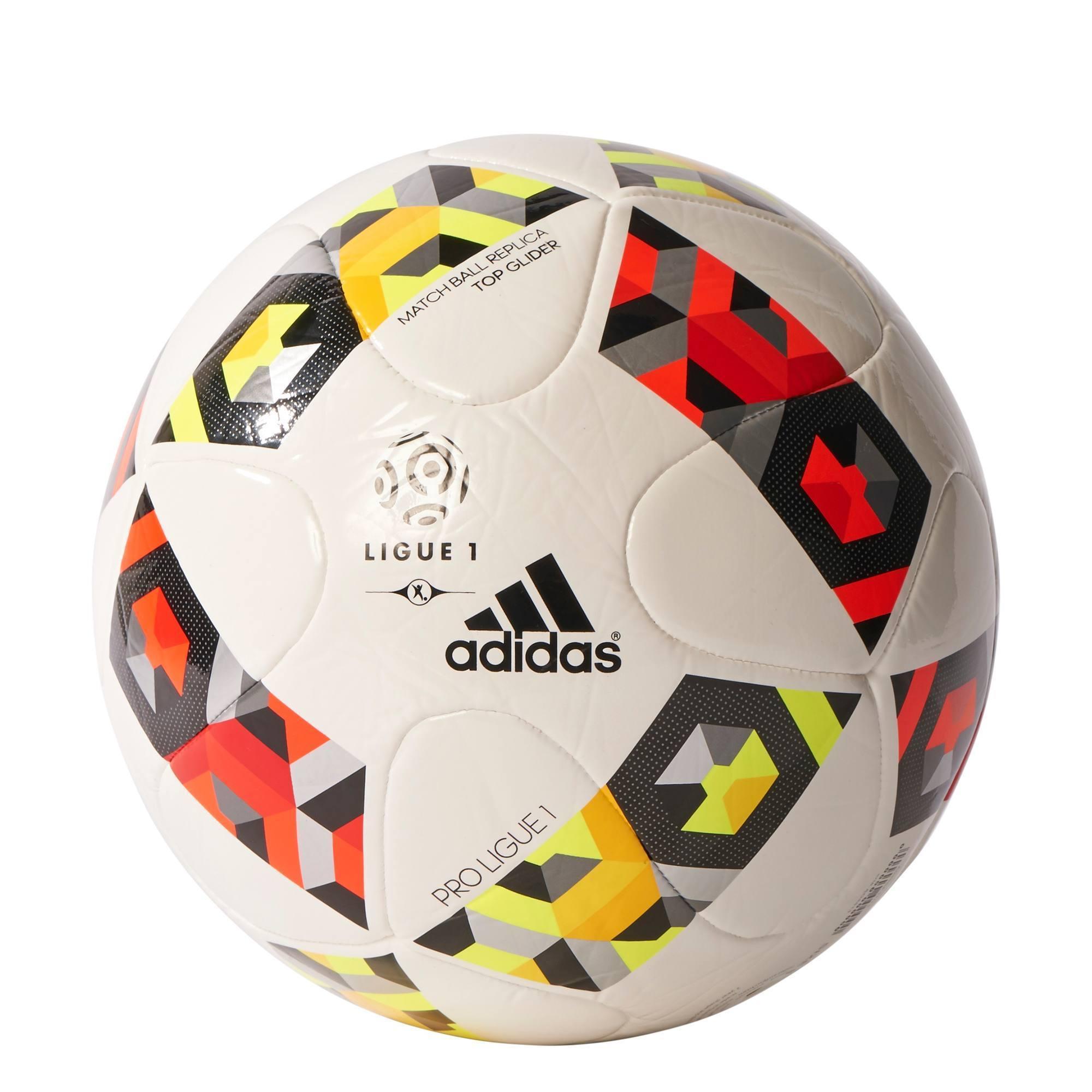 Ballon de football de la Ligue 1 pour la saison 2016-2017