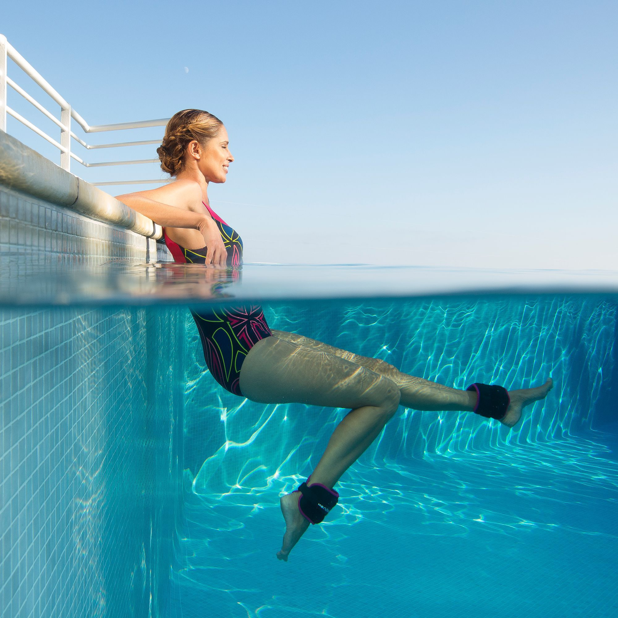 Bracelets lest s pour l 39 aquafitness noir rose clubs for Material para piscina