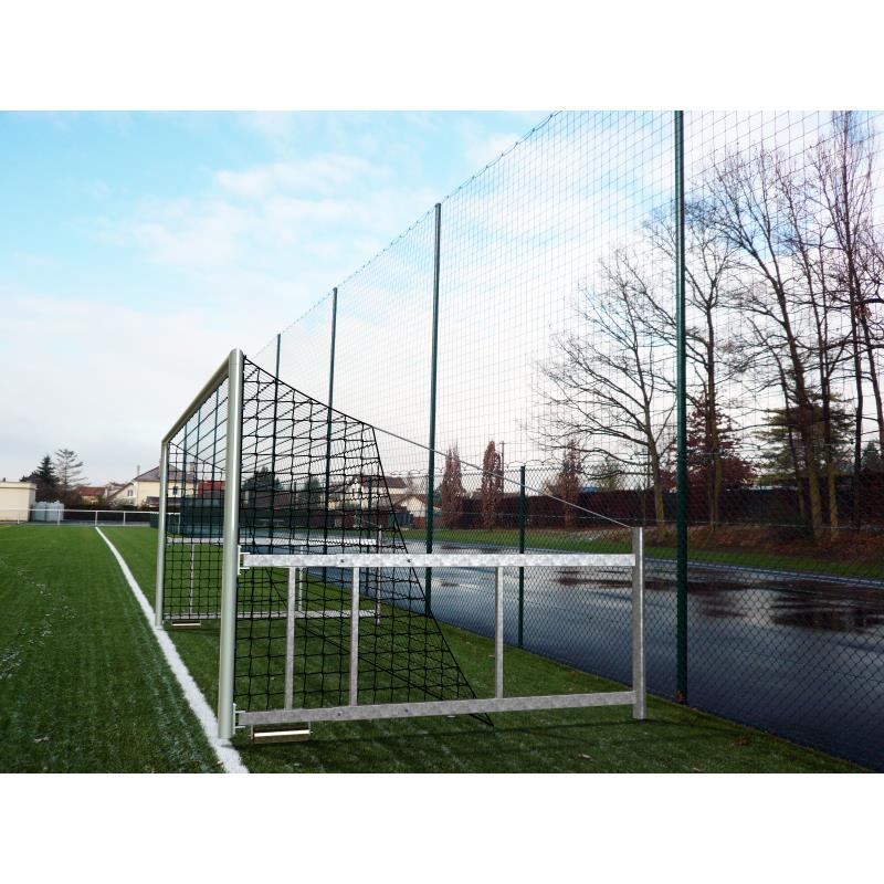 PAIRE DE BUTS FOOTBALL RABATTABLES EN ACIER.