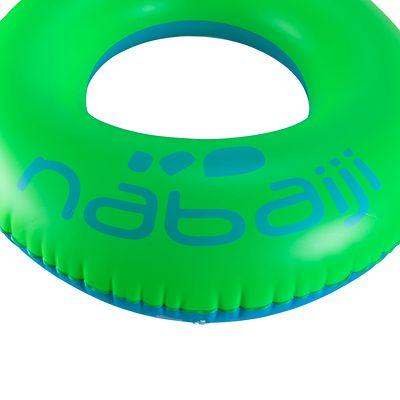 Bouée adulte bleu vert 94cm avec une forme ergonomique privilégiant le confort.