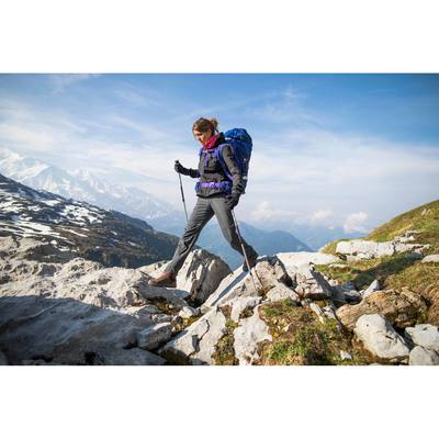 ba0a741c43261 Veste softshell trekking montagne TREK900 WINDWARM femme noir. < >