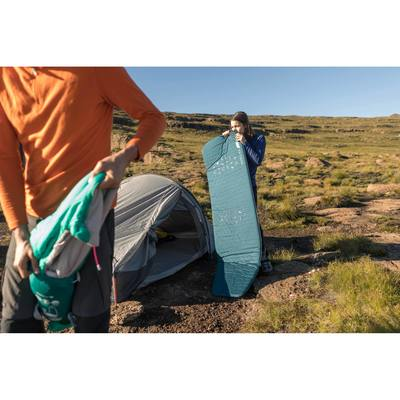 6585ec8bdfc07 Matelas de trekking TREK500 autogonflant L bleu - Clubs ...
